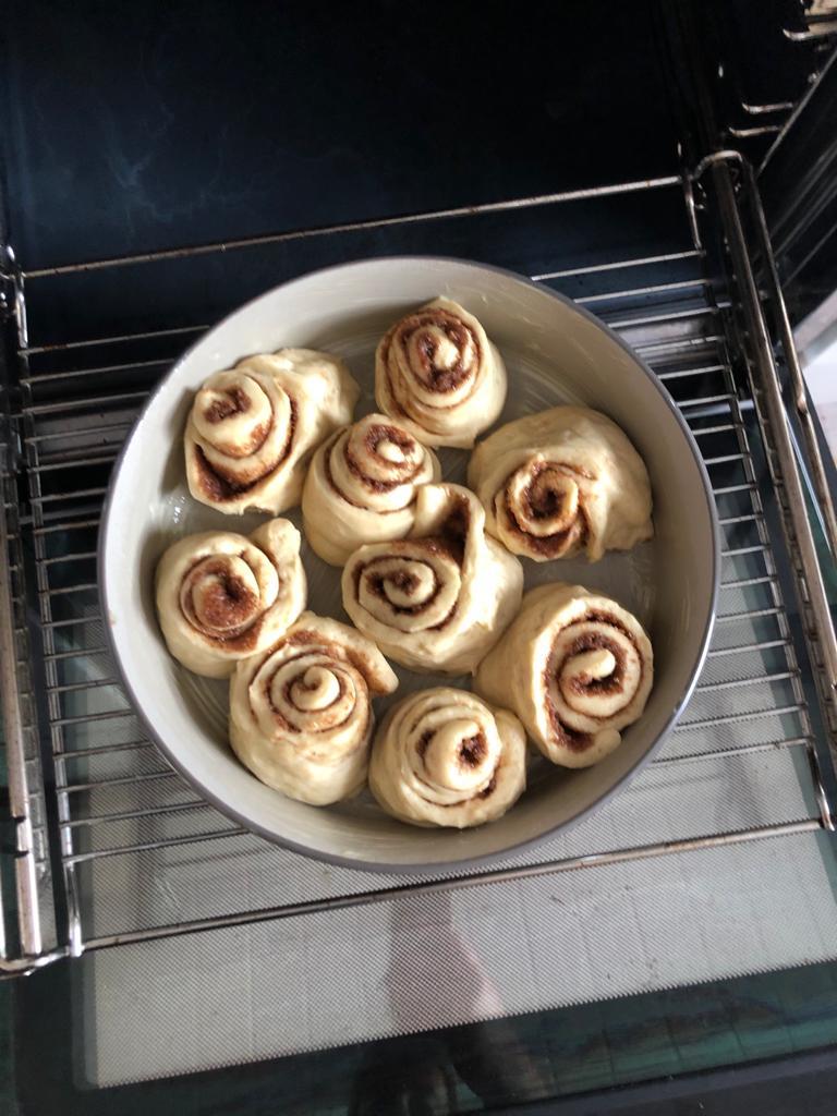 Zimtrollen in der Ofenhexe